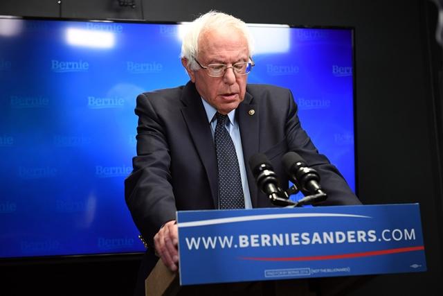 Na snímke senátor za štát Vermont Bernie Sanders