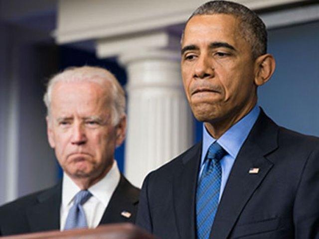 Na snímke Joe Biden a Barack Obama