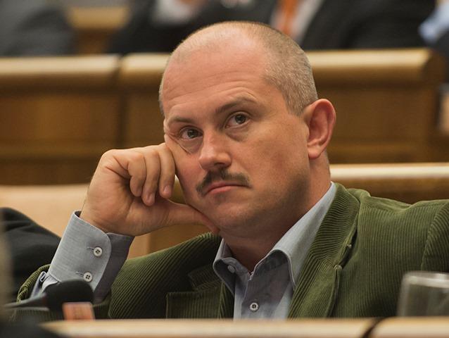 Na snímke poslanec Marián Kotleba (ĽSNS)