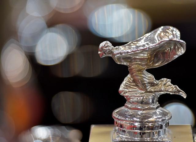 Emily, legendárna soška na  chladiči automobilu nemenej legendárnej klasickej automobilovej značky Rolls Royce