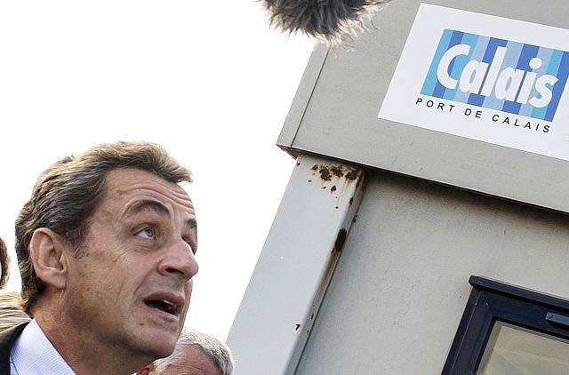 Sarkozy navštívil Calais, v prístave zažil zásah proti ilegálnym imigrantom