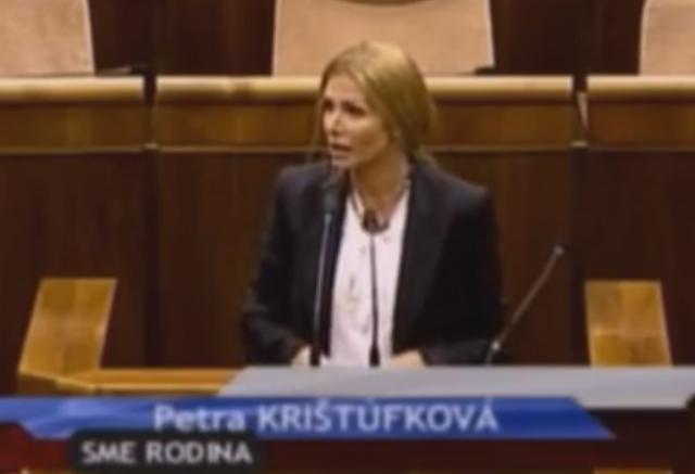Na snímke poslankyňa NR SR Petra Krištúfková (Sme rodina)