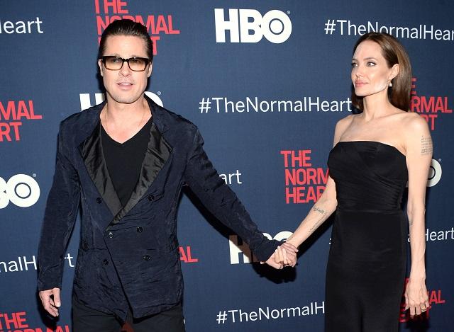 Na snímke Brad Pitt a Angelina Jolieová