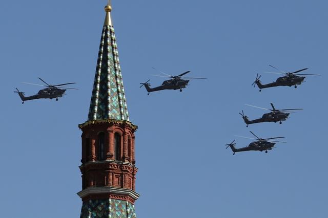 Na ilustračnej snímke ruské moderné útočné vrtuľníky Mil Mi-28 Foto:TASR/AP-Denis Tyrin