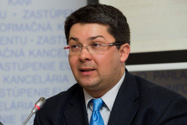 Na snímke Dionýz Hochel z Informačnej kancelárie Európskeho parlamentu v SR