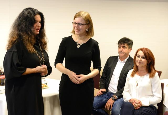 Na snímke vľavo Iveta Malachovská a pacienti s transplantovanými orgánmi, druhá zľava Lucia Stašíková s transplantovanou pečeňou, Ján Furstenzeller a Vlasta Pagáčová s transplantovaným srdcom