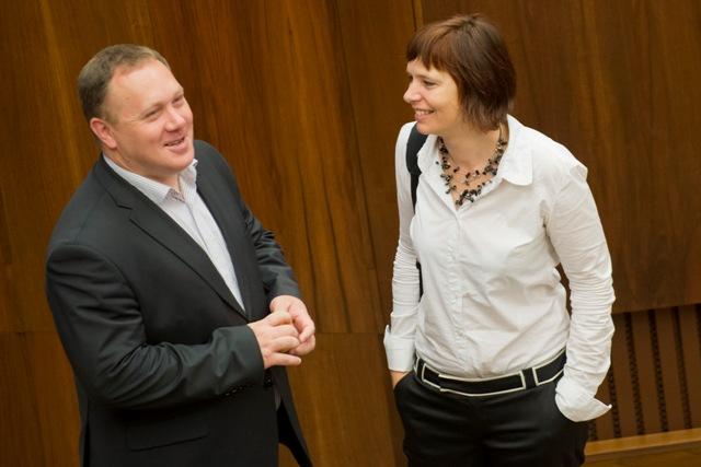 Na snímke opozoční poslanci vpravo Veronika Remišová (OĽaNO-NOVA) a Richard Vašečka (OĽaNO-NOVA)