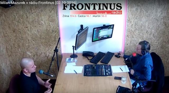Milan Mazurek (na snímke vľavo) v rádiu Frontinus