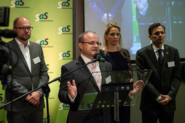 Na snímke zľava Richard Sulík a podpredsedovia SaS Jozef Mihál, Janna Kiššová a Ľubomír Galko