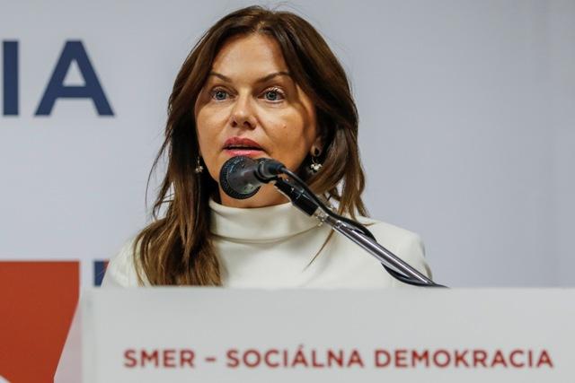 Na snímke europoslankyňa za stranu Smer-SD  Monika Flašíková Beňová reční počas druhej časti Programovej konferencie strany Smer-SD