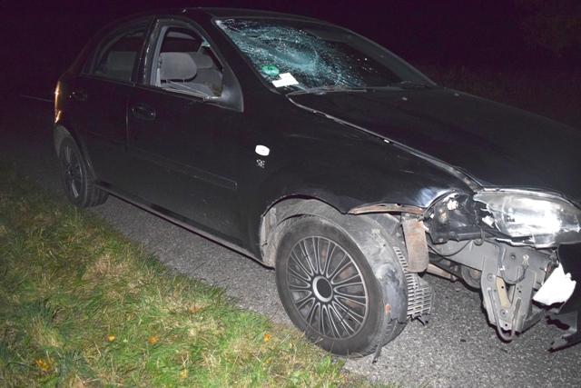 Na snímke vozidlo Chevrolet po zrážke s chodcom