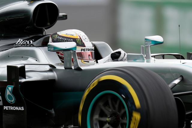 Na snímke britský jazdec tímu Mercedes AMG Lewis Hamilton