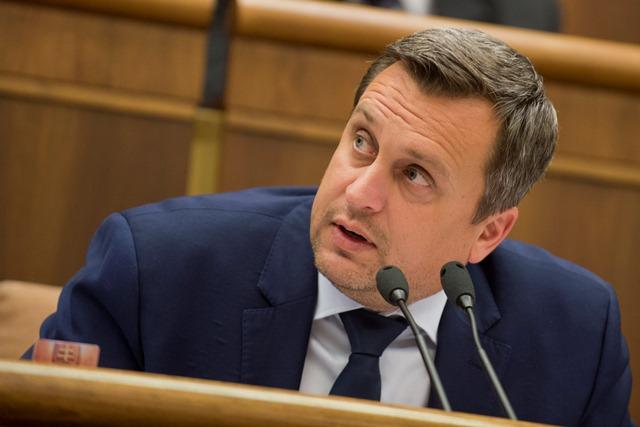 Na snímke predseda parlamentu a SNS Andrej Danko