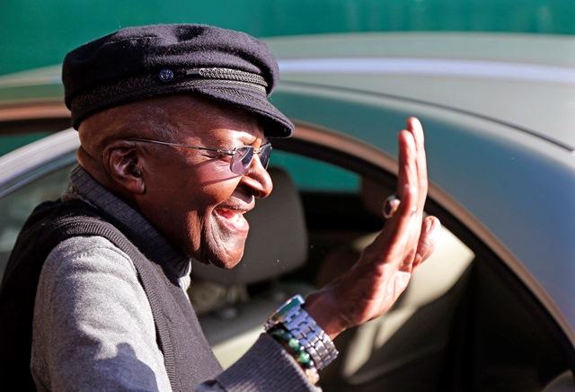 Na snímke Desmond Tutu