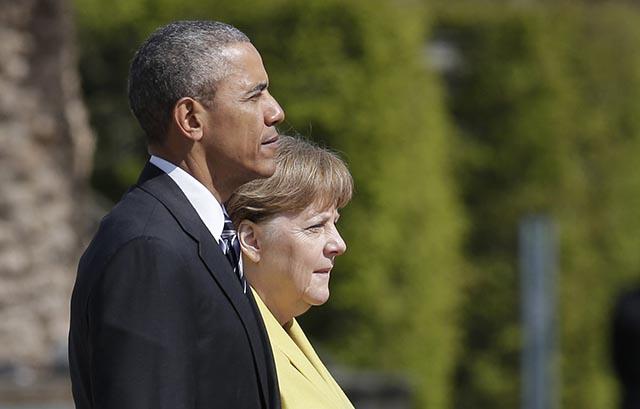Americký prezident Barack Obama (vľavo) a nemecká kancelárka Angela Merkelová