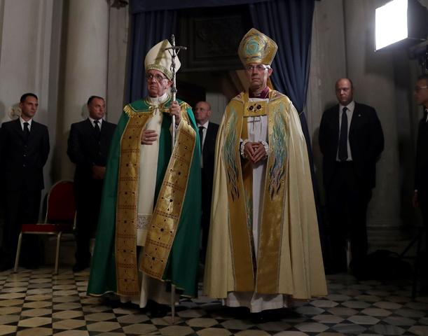 Na snímke pápež František a centerburský arcibiskup Justin Welby