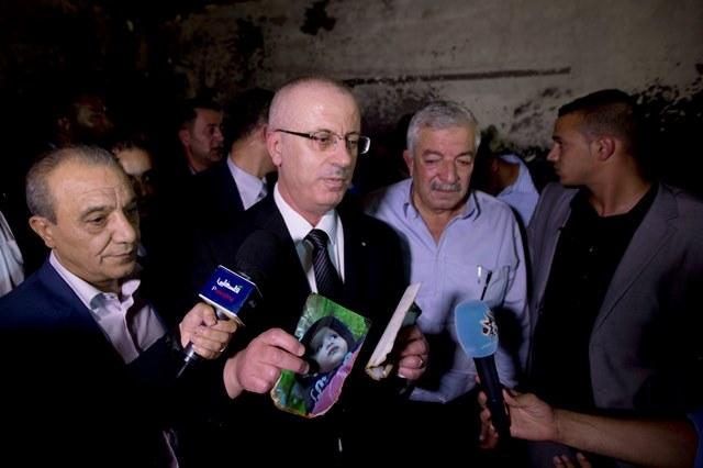 Na snímke palestínsky premiér Rámí Hamdalláh