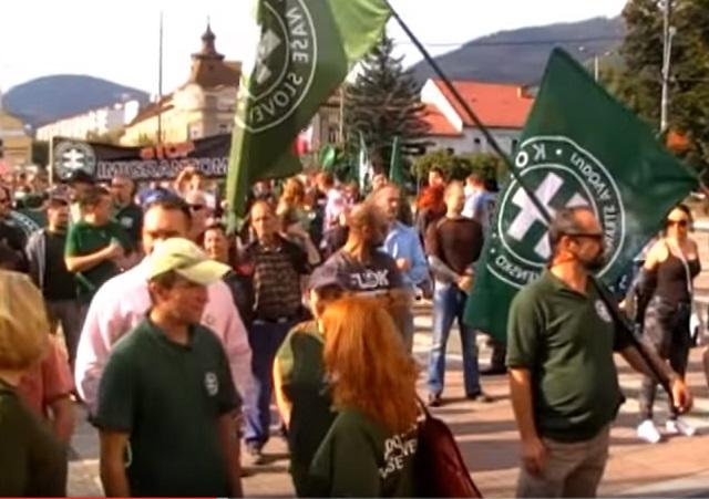 1.októbra 2016 sa v Brezne odohral pochod za ''bezpečnosť slušných ľudí'' Pochod organizovalaĽS Naše Slovensko, zúčastnil sa ho dokonca aj Marian Kotleba
