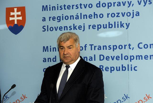 Na snímke poslanec Mosta-Híd Árpád Érsek