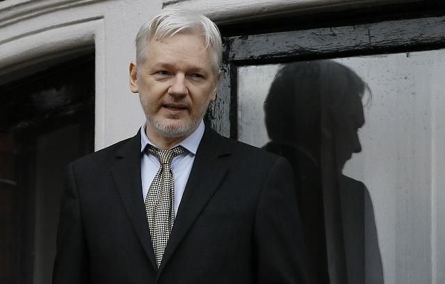 Na archívnej snímke z 5. februára 2016 zakladateľ WikiLeaks Julian Assange