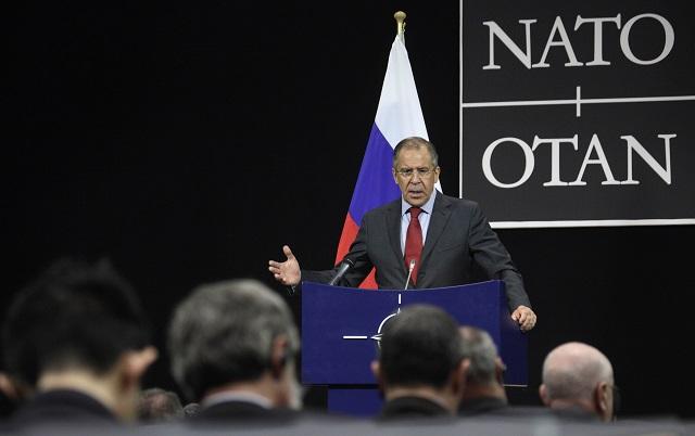 Na archívnej snímke ruský minister zahraničných vecí Sergej Lavrov na tlačovej konferencii po schôdzke Rady NATO - Rusko