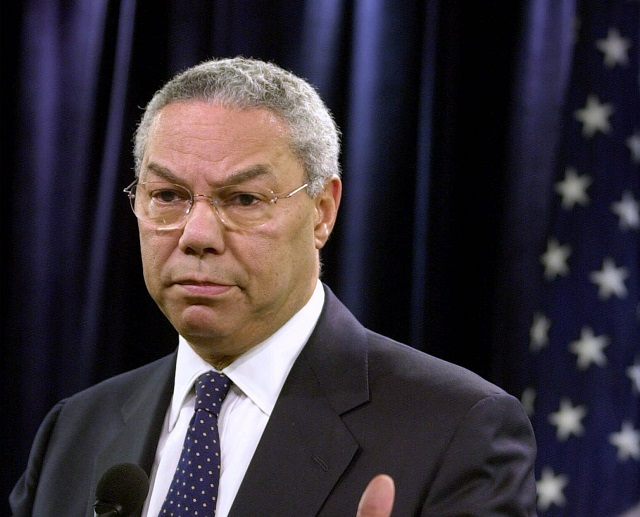 Na archívnej snímke Colin Powell