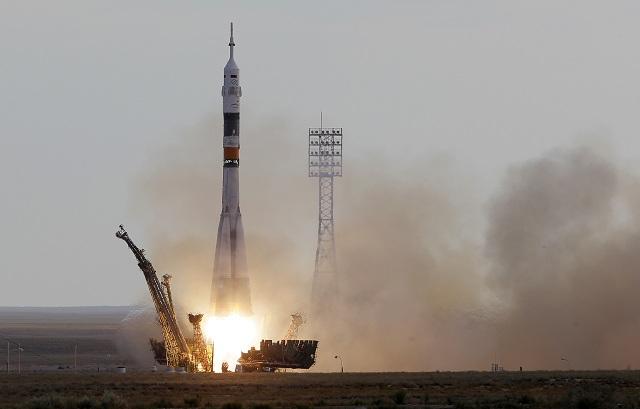 Na archívnej snímke štart   Ruskej kozmickej lode Sojuz