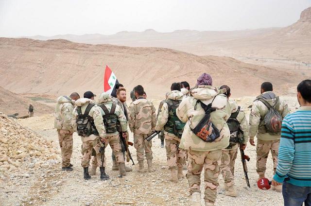 Na archívnej snímke sýrski vládny vojaci