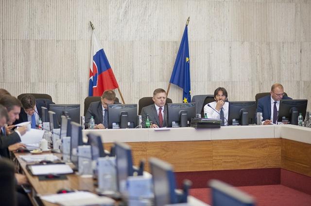 Na snímke zľava Miroslav Lajčák, Peter Kažimír, Robert Fico a Robert Kaliňák a Ľubomír Vážny