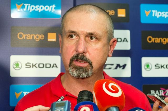 Na snímke tréner slovenskej hokejovej reprezentácie Zdeno Cíger