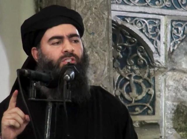 Na videosnímke z 5. júla 2014 šéf militantnej organizácie Islamský štát abú Bakra Baghdádí