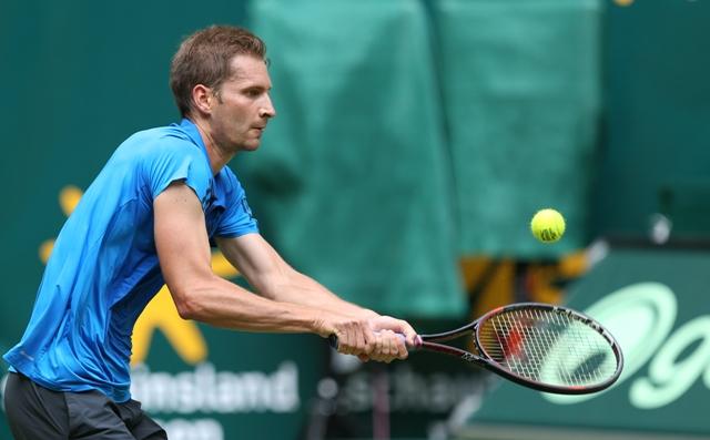 Na snímke nemecký tenista Florian Mayer