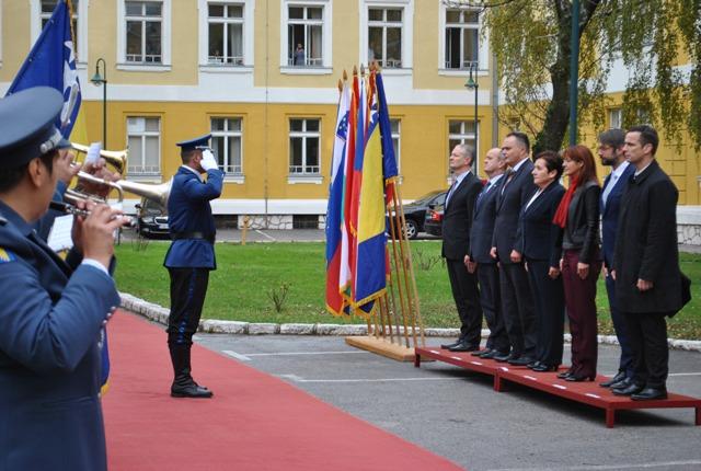 Minister obrany SR Peter Gajdoš sa dnes v Sarajeve zúčastnil na stretnutí šéfov rezortov obrany krajín Stredoeurópskej obrannej spolupráce (CEDC) s ministerkou obrany Bosny a Hercegoviny Marinou Pendešovou
