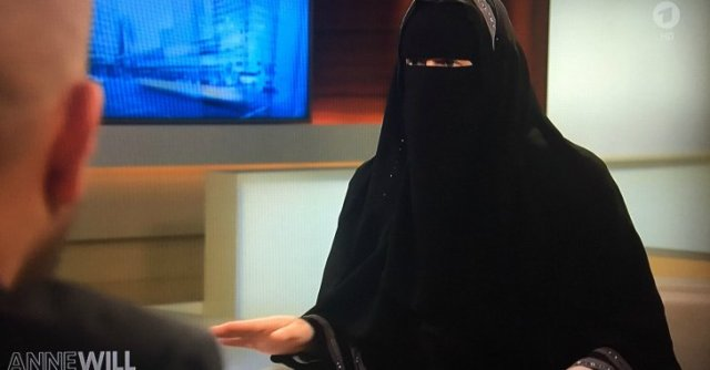 Moslimská žena vystúpila v talk -show Anne Will
