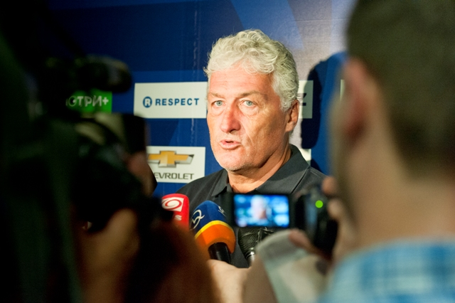 Na snímke tréner hokejistov HC Slovan Bratislava Miloš Říha