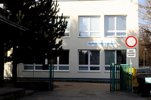 Na snímke budova Spojenej školy internátnej na Úzkej ulici v Prievidzi