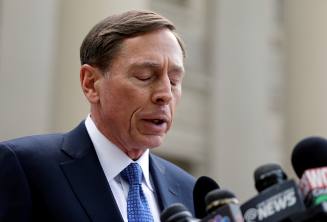 Na snímke David Petraeus