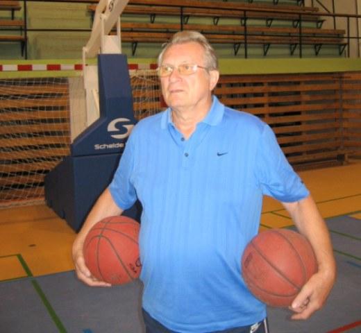 Basketbalový tréner PaedDr. Milan Rožánek sa dožíva životného jubilea 75 rokov