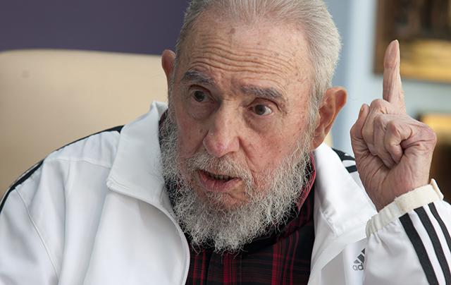 Na archívnej snímke  kubánsky vodca Fidel Castro
