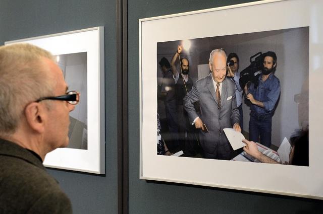 Archívna snímka z otvorenia výstavy fotografií pod názvom Vladimír Benko: Alexander Dubček