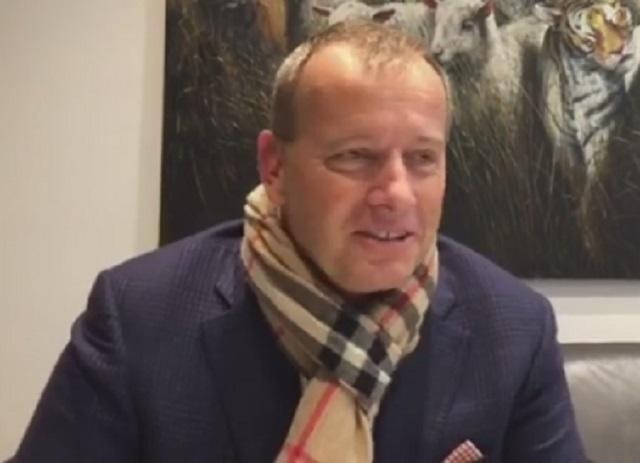 Na videosnímke Boris Kollár