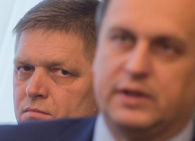 Na snímke  vľavo premiér SR Robert Fico (Smer-SD) vpravo predseda parlamentu SR Andrej Danko (SNS)