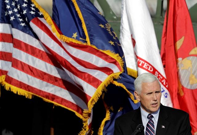 Na snímke Mike Pence