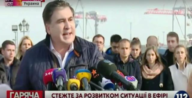 Na snímke z videa Michail Saakašvili