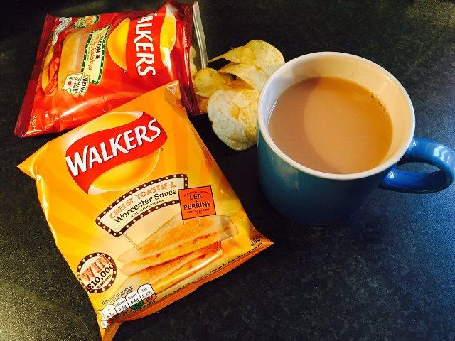 Na snímke zemiakové lupienky Walkers