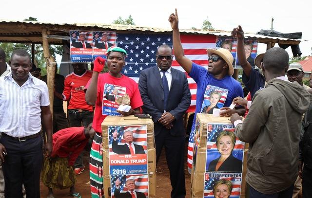 Obyvatelia kenskej dediny Nyang'oma-Kogelo, z ktorej pochádzal otec prezidenta USA Baracka Obamu, usporiadali  vlastnú verziu amerických prezidentských volieb.