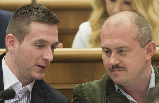 Na snímke zľava poslanci NRSR Milan Uhrík a vpravo Marian Kotleba