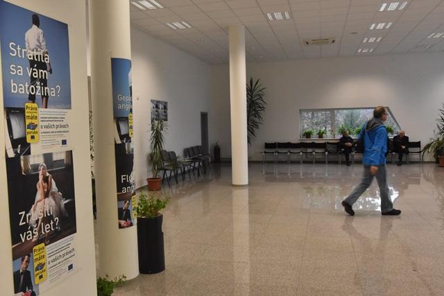 Na snímke vstupná hala piešťanského letiska
