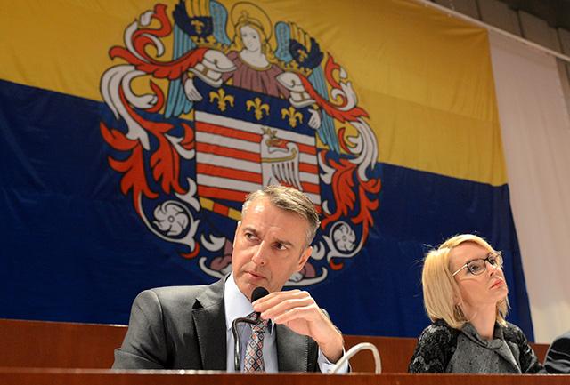 Na snímke primátor Košíc Richard Raši (vľavo) a viceprimátorka Renáta  Lenártová (vpravo)