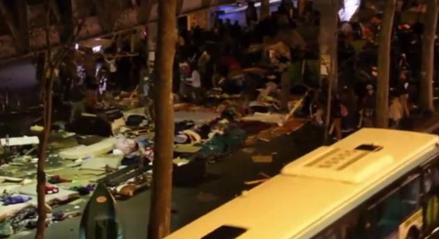 Vzbura migrantov v uliciach Paríža